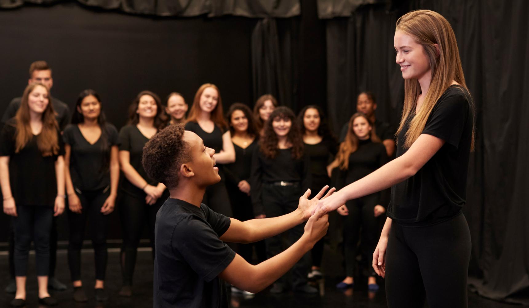 How practical drama activities can benefit students' understanding of texts